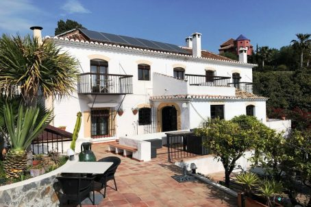 Hotels and B&B properties for sale and for rent in Spain